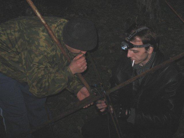 <br />Я и Иван ремонтируем антенну.
